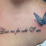 love me for who i am tatoeage me een kleine blauwe vlinder met schaduw effect