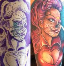 oude tatoeage gecoverd door gekleurde tatoeage van een vrouw