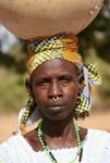 Fulani vrouw met septum piercing