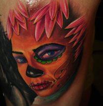 Chicano Tattoo met verschillende kleuren