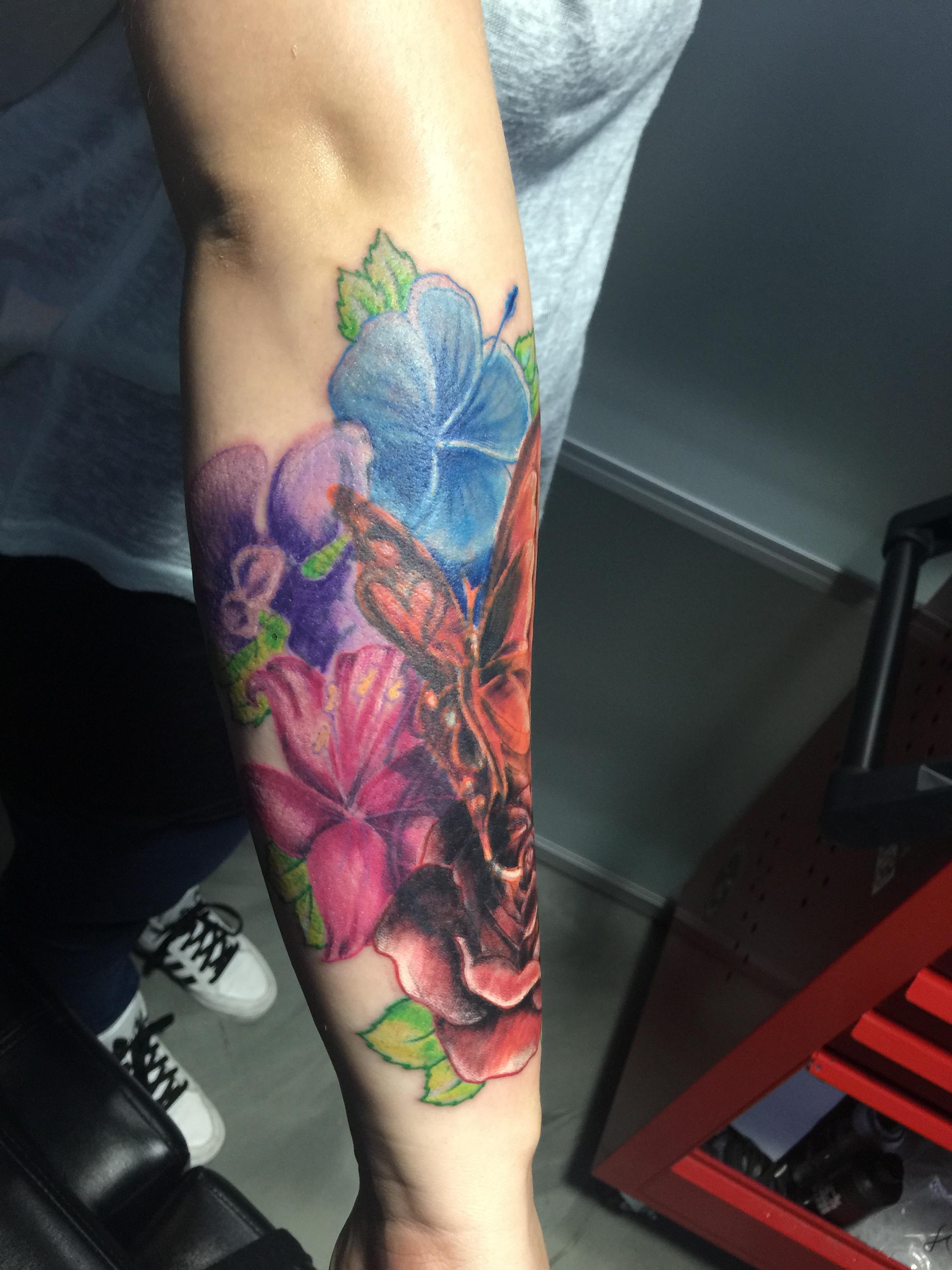 Onderarm Tattoo Laten Zetten Informatie Tips En Pijn Indicatie