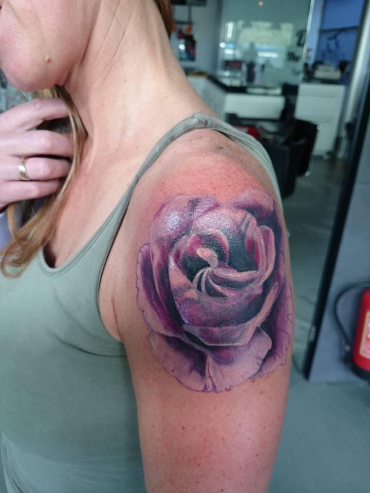 Voorkeur Roos tattoo laten zetten? Lees de betekenis, info en tips! @DS42