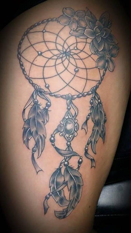 Extreem Vrouwelijke tattoo laten zetten? Uitleg over de betekenis en stijl! &UP12