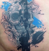 Chicano schedel op borst