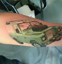 Auto op onderarm