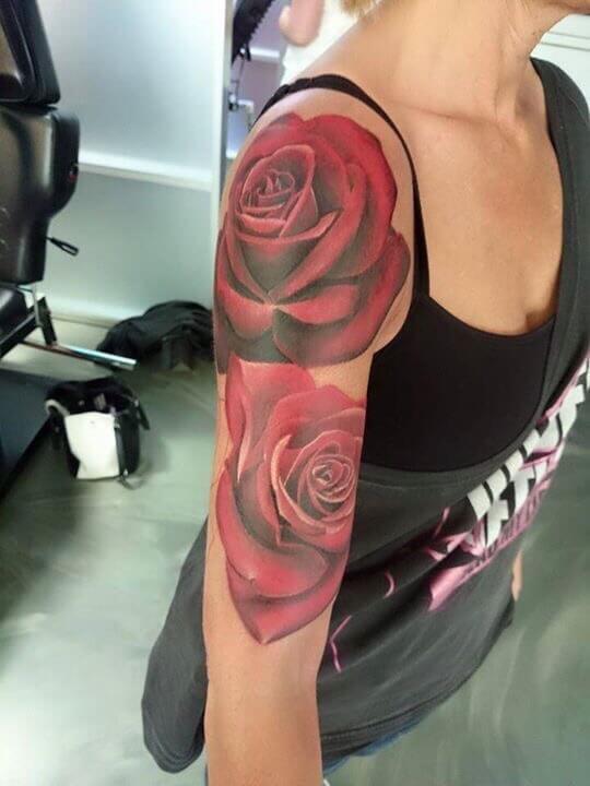 Roos tattoo voorbeelden, laat je inspireren door Dutch Ink!