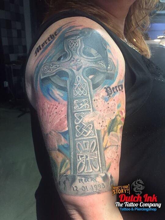 Kruis tattoo voorbeelden laat je inspireren door dutch ink for Virtual tattoo workshop