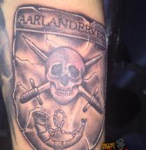 Piraten embleem op bovenarm