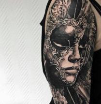 Masker op bovenarm