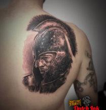 Spartaan op schouderblad