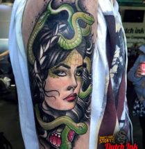Medusa op bovenarm