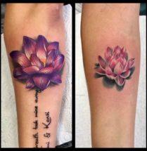 Lotusbloemen op onderarmen